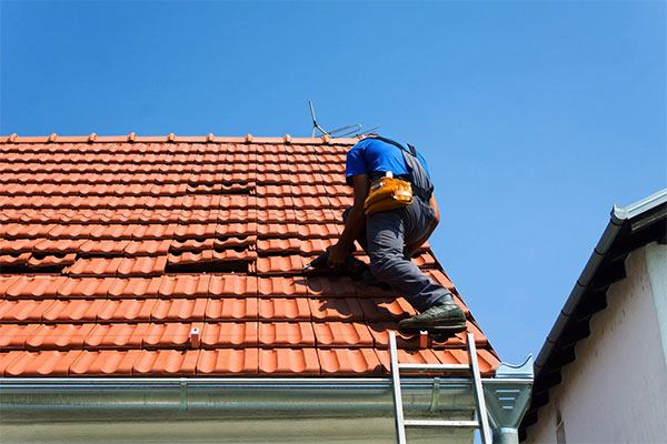 6 Indications Your Home Needs Roof Repair